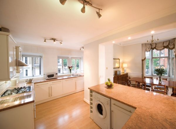 Kensington mansions 3 bedroom 2 or 3 bath holiday accommodation 2 bedroom apartments in for Three bedroom apartments london